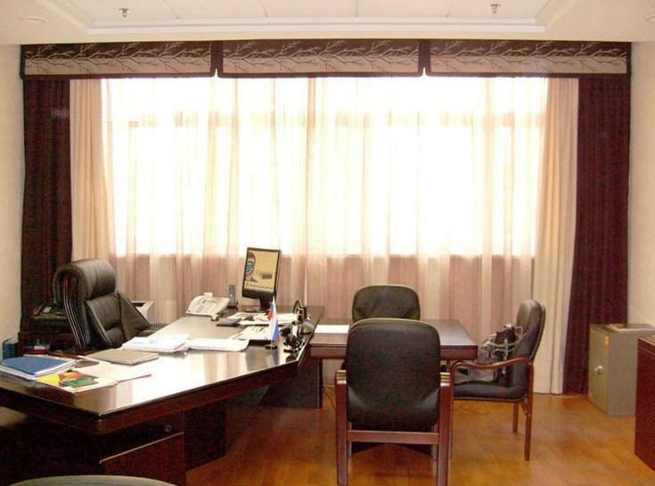Дизайн штор кабинета руководителя